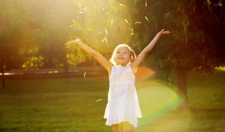 how-to-raise-a-happy-confident-kid